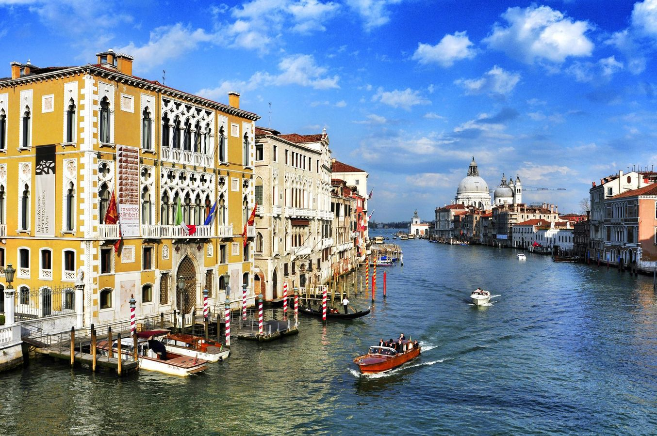elope_to_venice