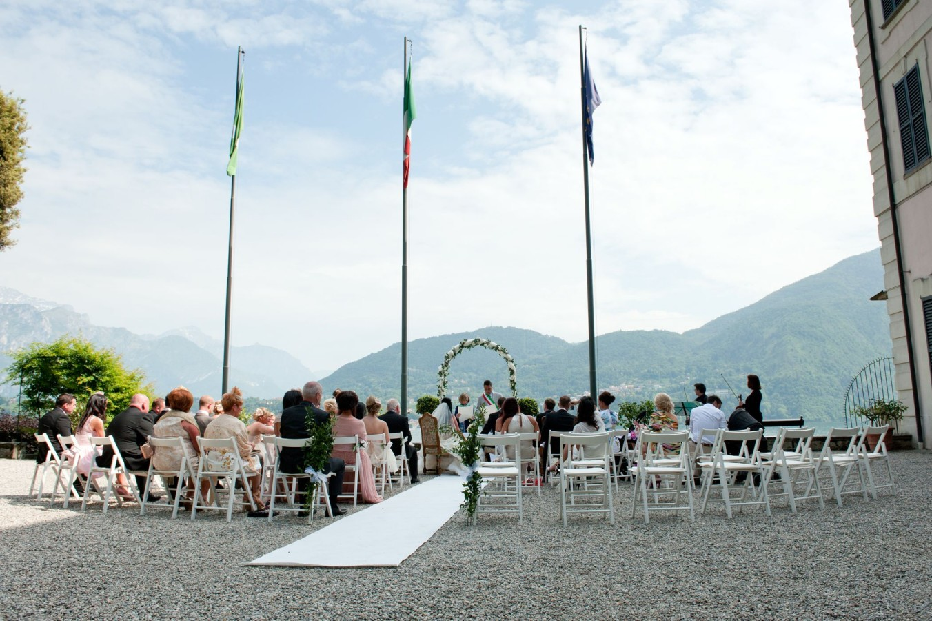 wedding-italy-outdoor-ceremony_03-1352×900