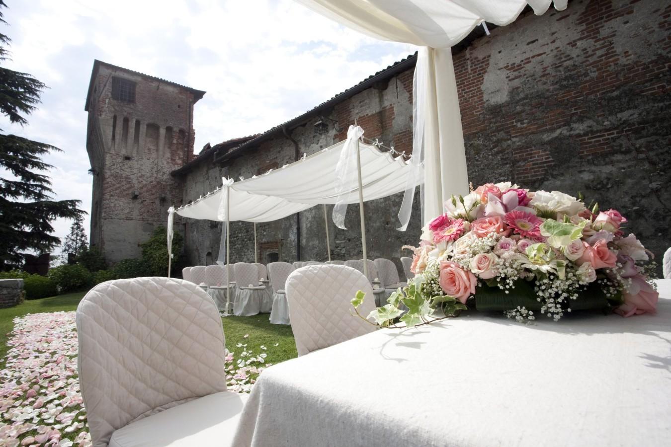 wedding-italy-outdoor-ceremony_04-1350×900
