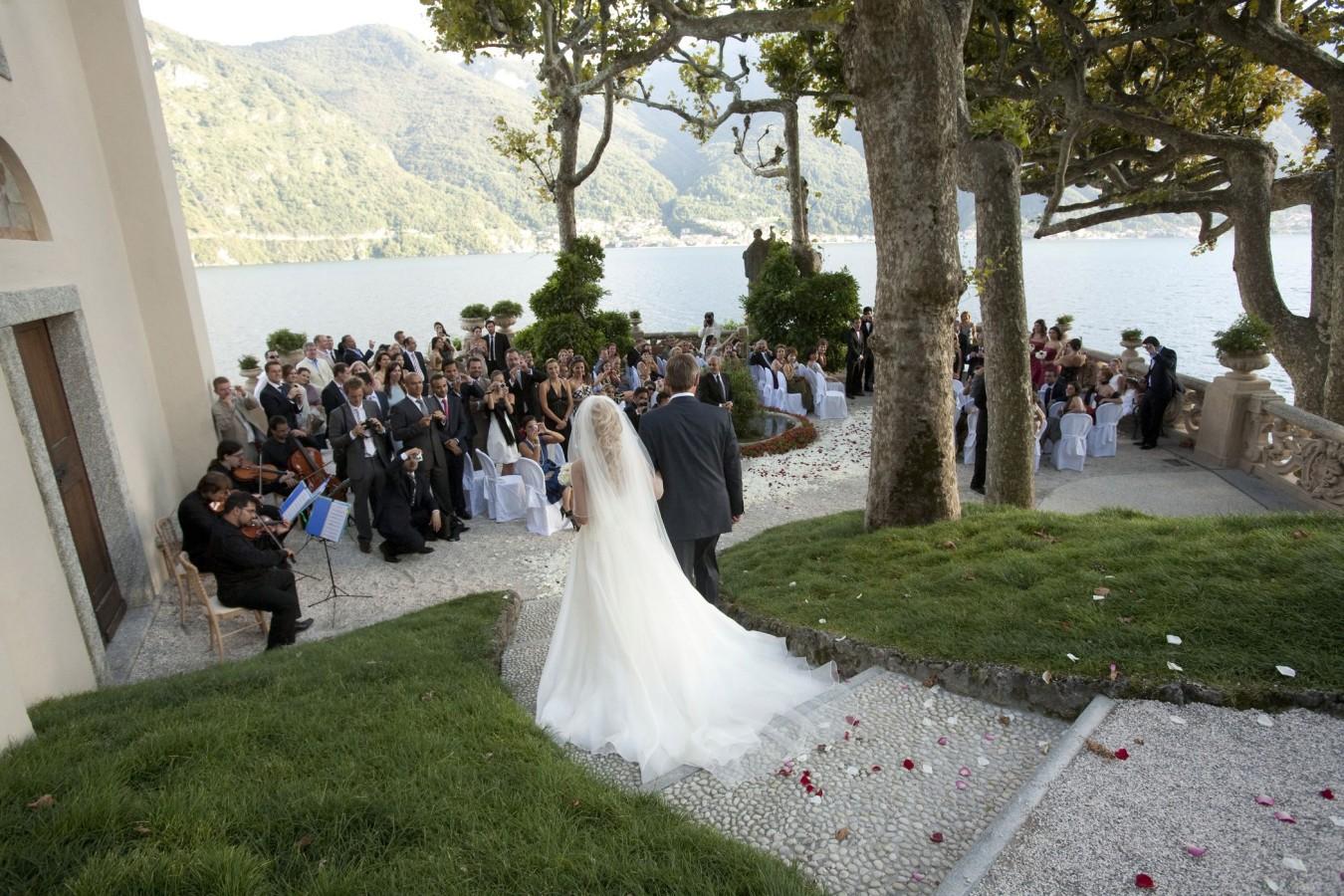 wedding-italy-outdoor-ceremony_06-1350×900